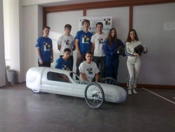 Študenti predviedli autá, s ktorými idú na Shell Eco-marathon