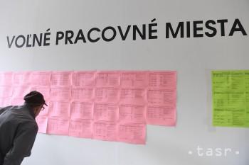 Nezamestnanosť na Slovensku v júni ovplyvnili absolventi vysokých škôl