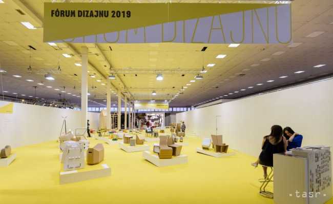 90010c46bf42 ... zo Slovenska a Českej republiky predstavuje 22. ročník výstavy Fórum  dizajnu na nitrianskom výstavisku. Výstava je súčasťou veľtrhu Nábytok a  Bývanie