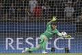 Brankár Sirigu z PSG na hosťovanie do FC Sevilla