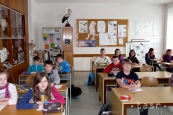 Proti vyššiemu počtu detí v triedach protestujú učitelia aj verejnosť