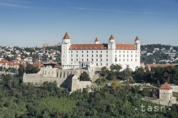 Bratislavský hrad aj Bojnický zámok zhasnú v rámci Hodiny Zeme