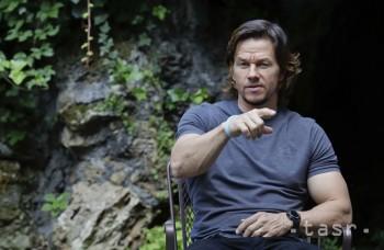 Najlepšie zarábajúcimi hercami sú Mark Wahlberg a Emma Stone