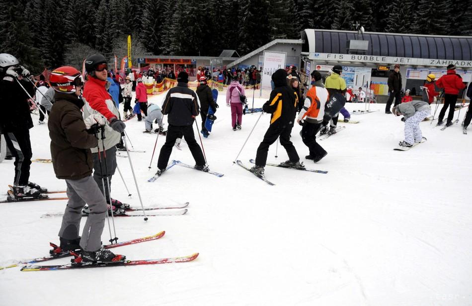 Dnes je otvorených viac ako 90 lyžiarskych areálov d24700e9b35