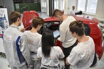 Novým odborom v Duálnej akadémii v Bratislave bude odborný iformatik