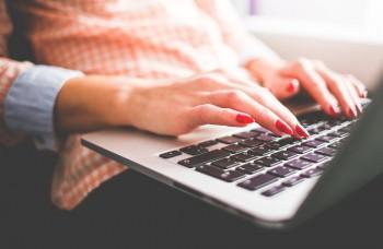 Kradnúť kryptomeny láka kyberzločincov viac ako vydieranie