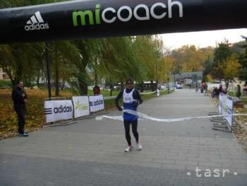 Víťazom Študentského behu je Róbert Valiček