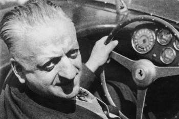 Zakladateľ automobilky Enzo Ferrari sa narodil pred 120 rokmi