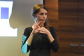 Divadlo Nová Scéna uvedie špeciálne predstavenie pre nepočujúcich