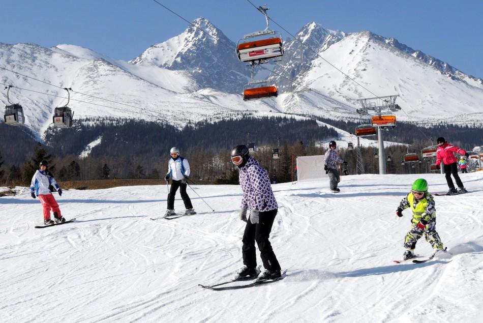 Snehové správy  Lyžuje sa vo viac ako 50 areáloch c327c66e28e