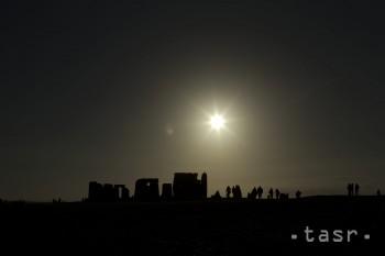 LETO SA ZAČNE 21. 6., v období SLNOVRATU zmizne astronomická noc