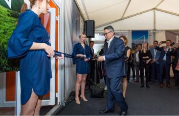 Konica Minolta otvorila európsky showroom priemyselnej tlače