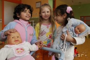 Šancu na bezplatné vzdelanie môže využiť 25 škôlkarov z Luníka IX