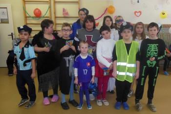 Deti na karnevale zabávala kapela Gipsy Tyson