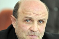 Šéf premiérovej kancelárie R. Šipoš končí na Úrade vlády SR cc544a60a65
