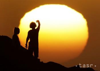 Na Slovensku bude možné dnes pozorovať čiastočné zatmenie Slnka