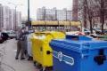 Sneh naďalej spôsobuje v Košiciach meškanie odvozu odpadu