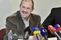 ĽSNS: Ak nezrušia všetky milosti M. Kováča, koaličný návrh nepodporíme