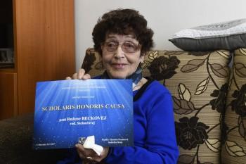 Ružene Beckovej udelilo prievidzské gymnázium čestný titul