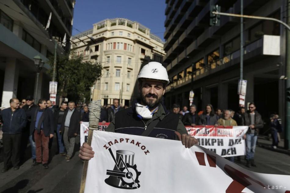 Tisíce gréckych penzistov protestovali proti znižovaniu dôchodkov