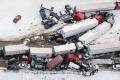 Nehoda v USA si vyžiadala 3 obete, 70 zranených a 60 rozbitých áut
