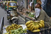 Predavač na ulici v Kalkate