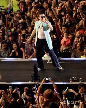 Videoklip od juhokórejského rapera Psy je najsledovanejším na YouTube