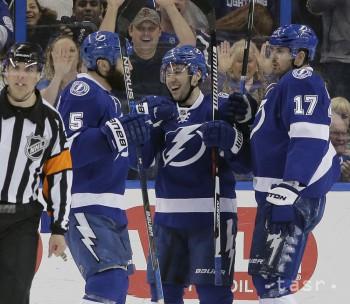 NHL: Tampa s tretím triumfom v sérii, Pittsburgh zdolala 6:3