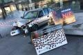 Dymiaci vrak auta v Nitre odkazuje na vraždu Róberta Remiáša