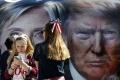 Víťazstvo Clintonovej nad Trumpom v dueli malo na DAX len krátky vplyv