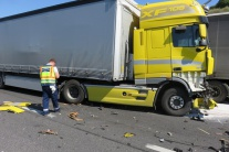 Munícia z menšieho nákladného auta s komárňanským