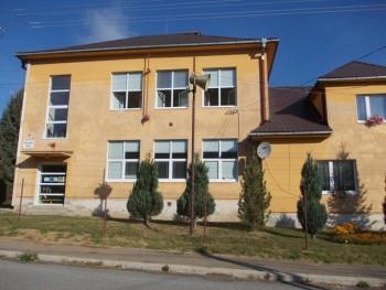 ZŠ v Slatinských Lazoch je typickou malou vidieckou školou