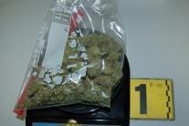 Zadržali člena gangu, ktorý predával drogy aj klientom zo Slovenska