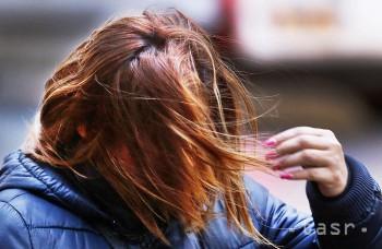Účinným opatrením na zamedzenie prenosu vší je včasné ošetrenie vlasov