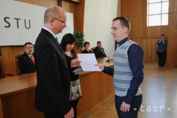 Mladí vedci z STU si prevzali granty v hodnote vyše 120.000 eur