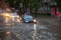 V Maďarsku zanechali búrky zaplavené pivnice a problémy v doprave