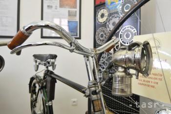Oravská knižnica vystavuje historické a motorizované bicykle