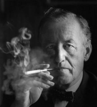 Ian Fleming na románoch o agentovi 007 pracoval do svojej smrti