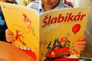 D. Čaplovič: Text o rozvedenej rodine do šlabikára nepatrí
