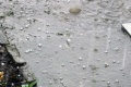 POZOR: Na juhozápade Slovenska hrozia v noci búrky s krúpami