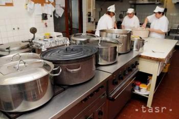 Nitra: Čo odhalili kontroly v školských jedálňach?