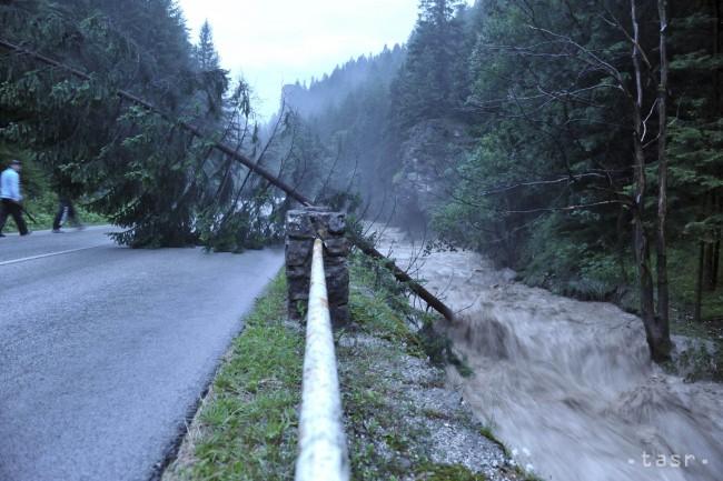 Terchovej vo vrátnej doline spôsobila búrka rozvodnenie rieky a