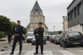 Mladíka zadržaného po útoku v kostole v Normandii prepustili z väzby