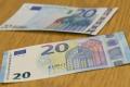 Kurz eura mierne vzrástol, dolár pokračuje v posilňovaní