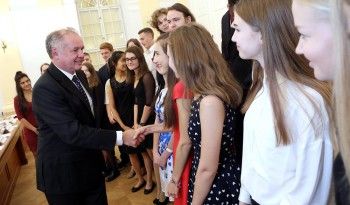 A. Kiska vyzval mladých debatérov na zapájanie sa do verejnej debaty