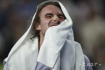 Grécky tenista Stefanos Tsitsipas sa teší po víťazstve nad Kanaďanom Felixom Augerom-Aliassimeom vo finále mužskej dvojhry na turnaji ATP v Marseille 23. februára 2020.