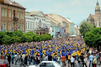 V štyroch mestách na Slovensku sa tancovala na poludnie štvorylka