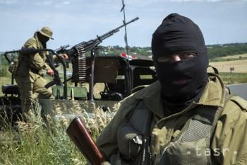 Separatisti súhlasia s Putinovým návrhom, žiadajú odovzdanie zbraní