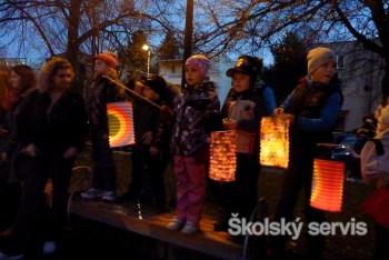 Odkaz svätého Martina pripomenuli lampióny v uliciach Ružomberka