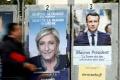 Charlie Hebdo si v novom čísle robí posmech z Macrona a Le Penovej